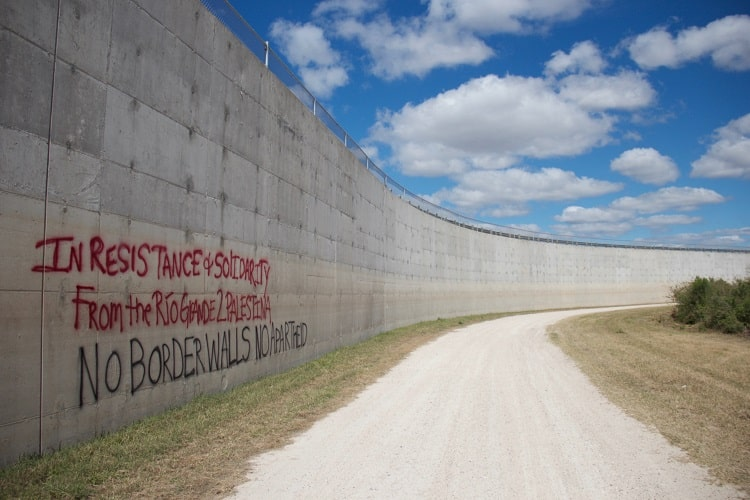 Flores - No Border Walls - Boundaries